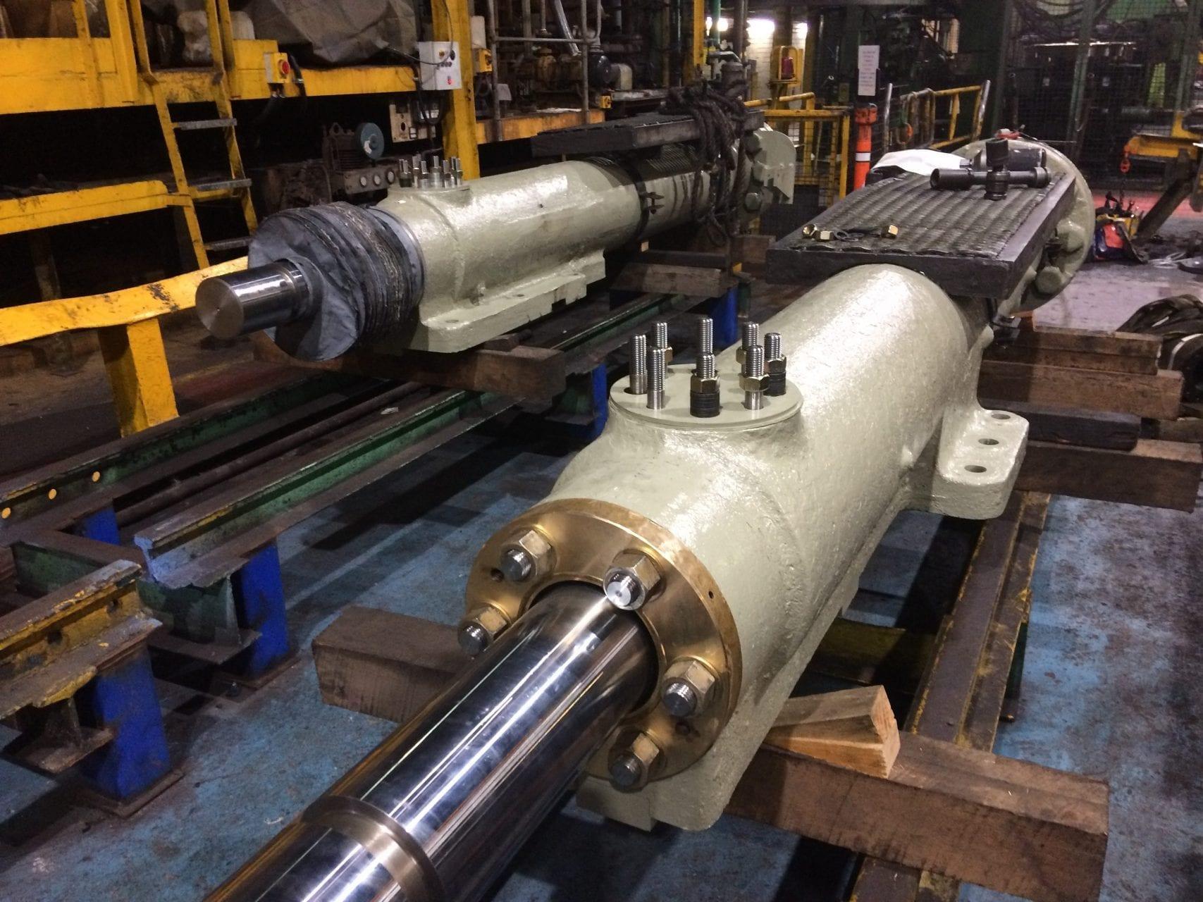 Molycop EWM   Main Carriage Cylinders